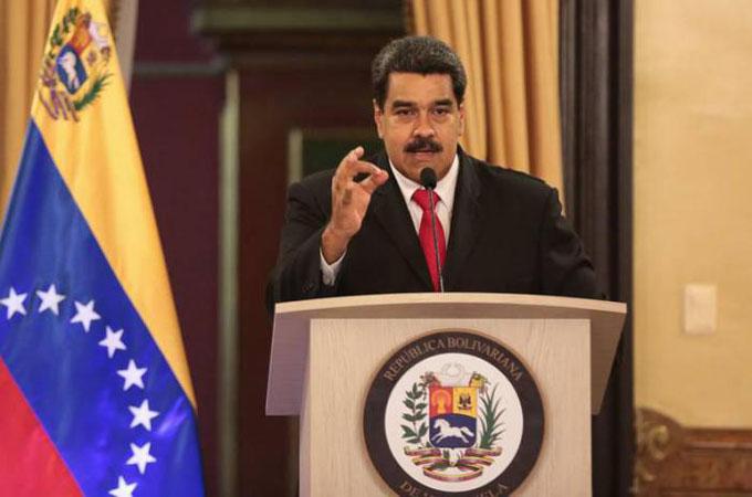 Estoy de pie, firme y victorioso, afirma Nicolás Maduro