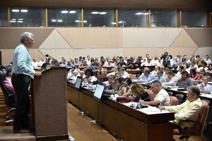 Encabezó Díaz-Canel encuentro de trabajo con Juntas de Gobierno y Organizaciones Superiores de Dirección Empresarial