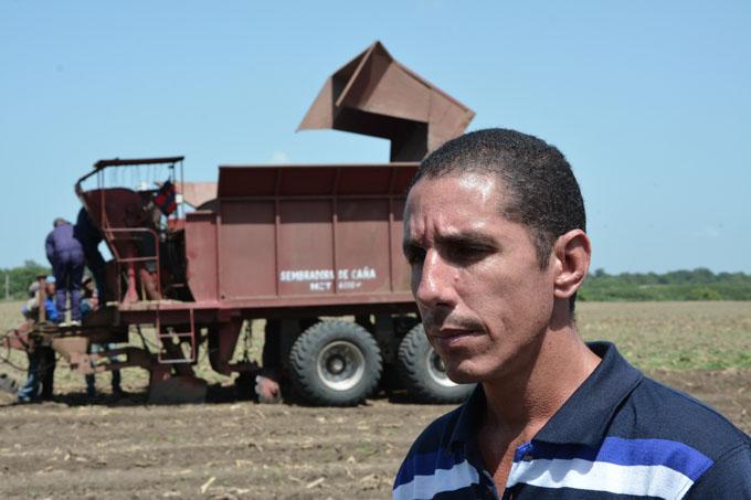 Empresa azucarera busca cumplir en la siembra de caña