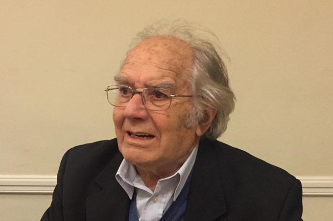 Nobel argentino aplaude proyecto de nueva constitución en Cuba