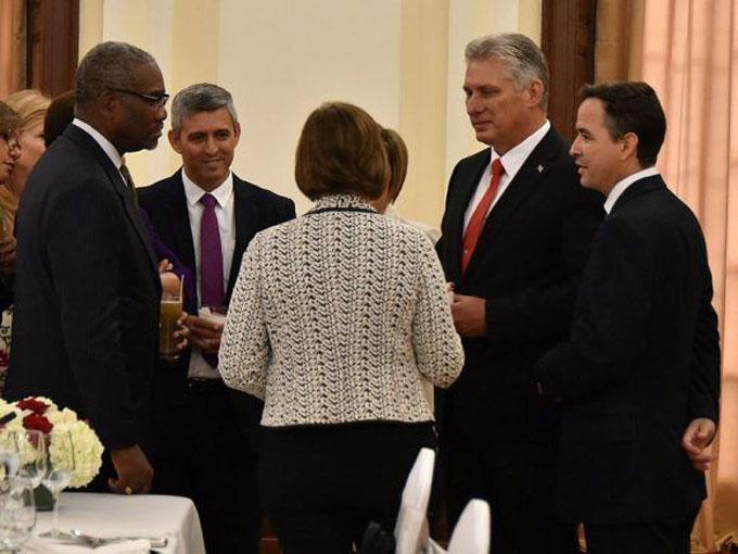 Díaz-Canel sostiene encuentro con congresistas de Estados Unidos