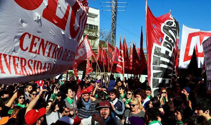 Argentina en paro total, estatales anuncian más medidas de fuerza