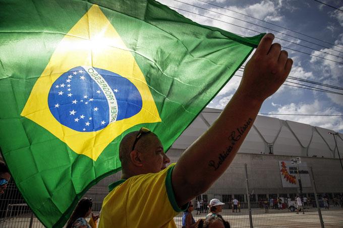 Brasil: factor Lula, elecciones y una frustrada final mundialista