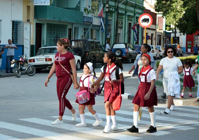 Cerca de dos millones de cubanos a las aulas en curso 2018-2019