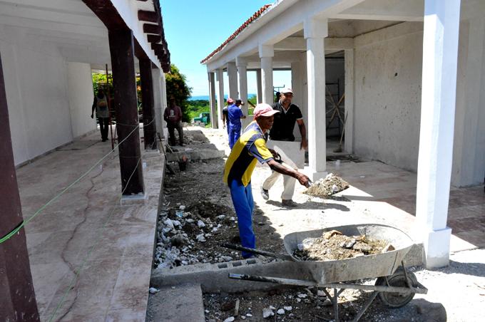 Manzanilleros engalanan patriótico escenario cubano