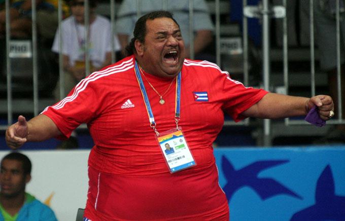 Exaltan a Salón de la Fama de judo a entrenador cubano Rolando Veitía