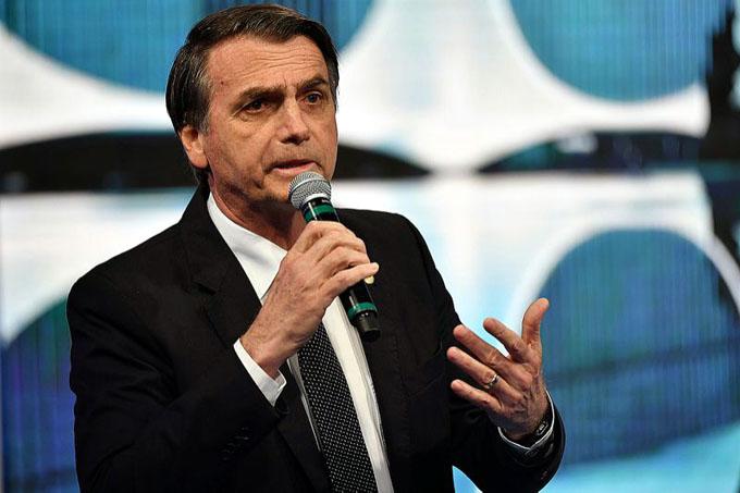 Un millón de brasileñas se unen contra candidato Jair Bolsonaro