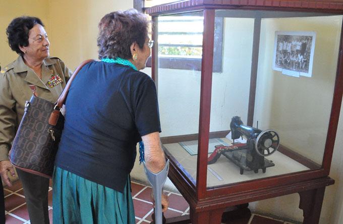 Rememoran constitución de pelotón femenino Mariana Grajales