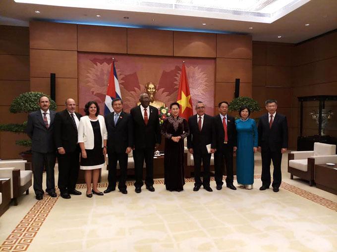 Delegación cubana visita lugares donde estuvo Fidel en Vietnam (+ fotos)