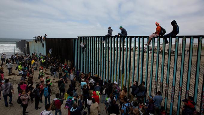 Caravana de migrantes persiste en México