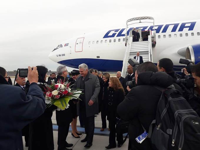 Presidente de Cuba se reúne con primer ministro de Francia (+ fotos y videos)