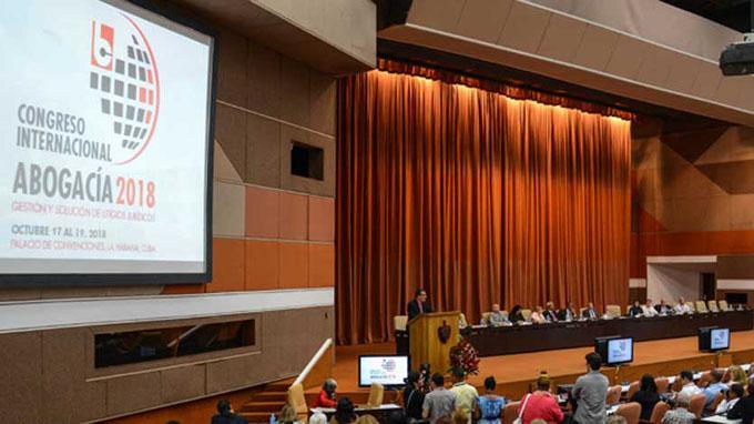 Continúan debates de Congreso Internacional Abogacía 2018
