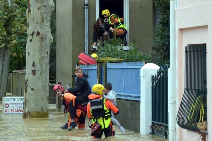 Aumenta a 13 el saldo de muertos por tormenta en sur Francia
