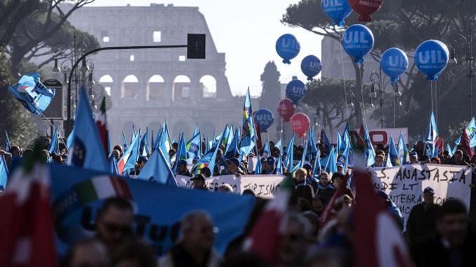 Realizan huelga general nacional de 24 horas en Italia