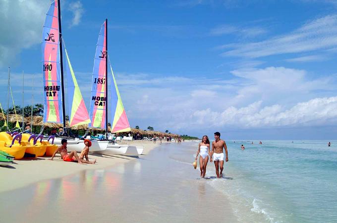 Turismo e inversión extranjera, fundamentales para la economía cubana