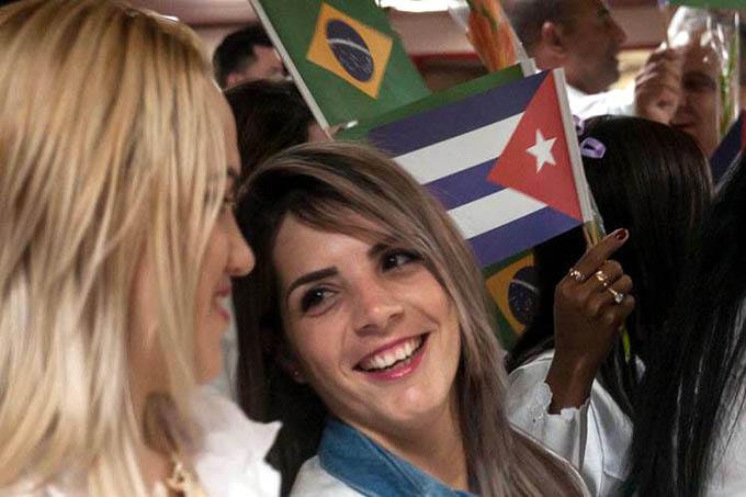 Llega a Cuba grupo de 204 médicos procedentes de Brasil (+ fotos y videos)