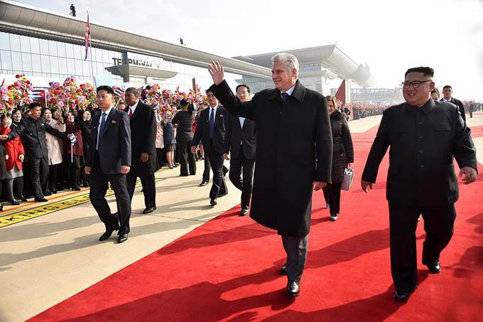 Despide Pyongyang a presidente cubano con llamativo agasajo popular (+ fotos)