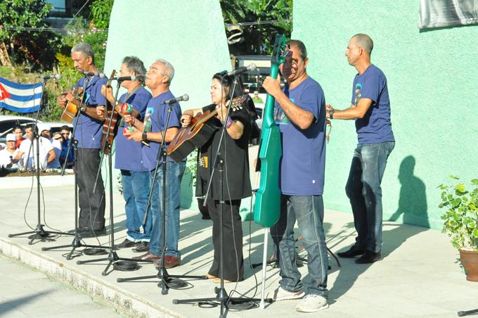 Presente Fidel en Guisa (+ fotos)