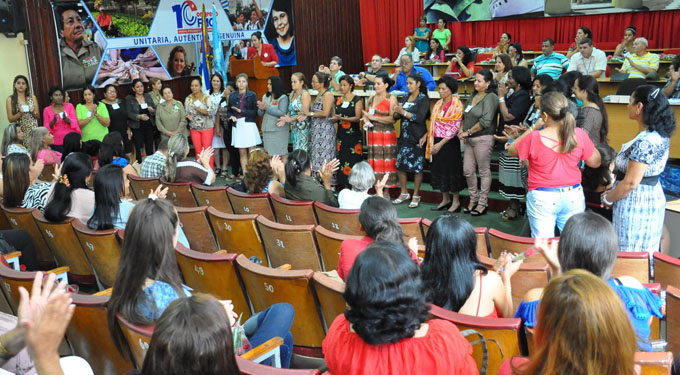 Realizan asamblea provincial de la FMC