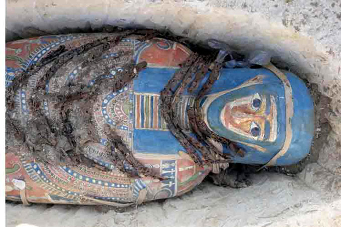 Descubren tumbas del periodo tardío en gobernación egipcia