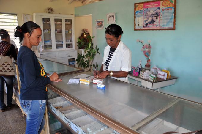 Trabajadores farmacéuticos respaldan decisión del Ministerio de Salud Pública de Cuba