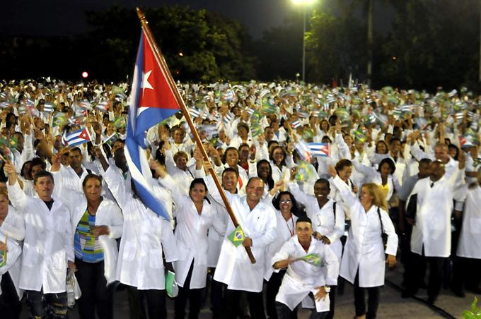 Dignidad y principios guían a médicos cubanos, afirman en la isla
