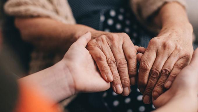 Realizan en Japón novedoso proceder para tratar mal del Parkinson