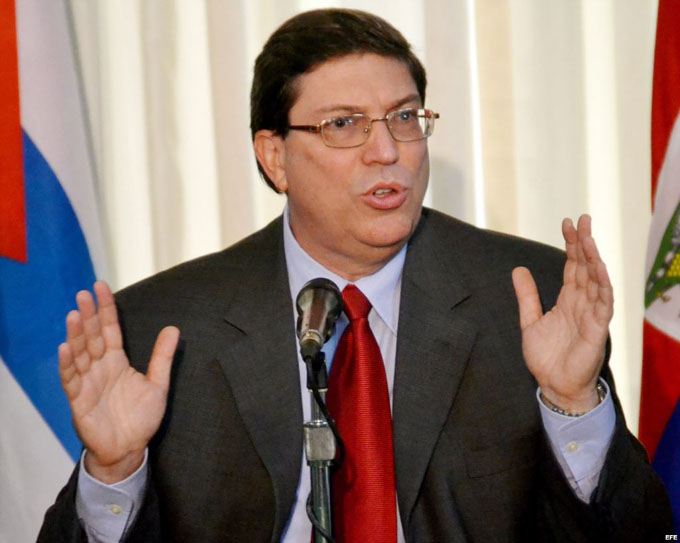 Reclama Canciller cubano a EEUU que levante el bloqueo, restablezca visados y cese represión