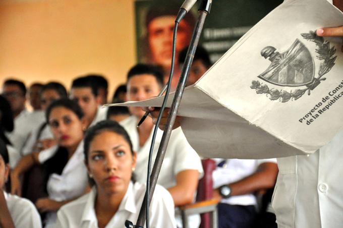 Cobra forma en Cuba referendo sobre nueva Constitución