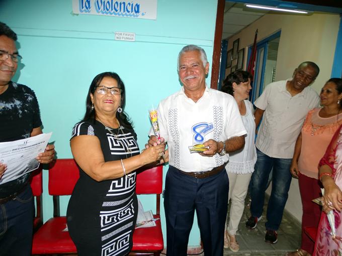 Confiere la Unaicc reconocimiento especial a Magdalena Verdecia