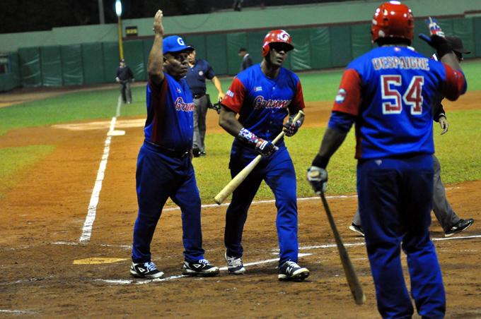 Federación Cubana de Béisbol y Grandes Ligas de Estados Unidos llegan a acuerdo sobre contratación de peloteros cubanos