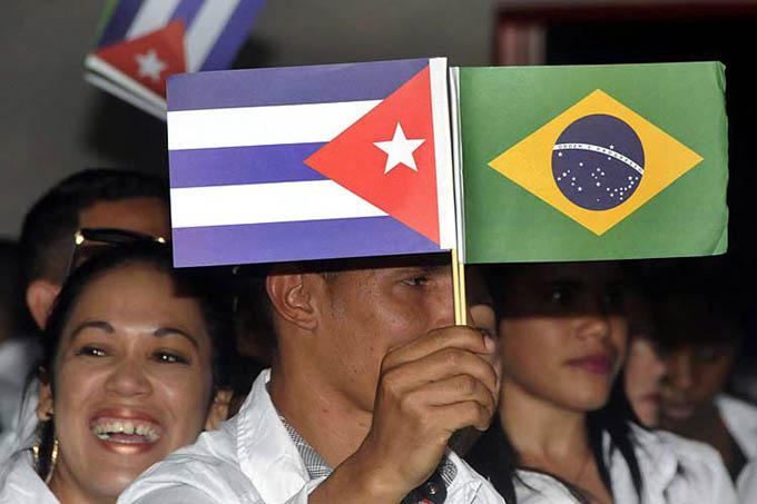 Regresa de Brasil nuevo grupo de médicos cubanos