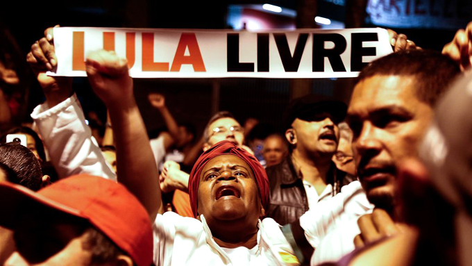 Meses después de arresto de Lula se fortalece frente por su libertad