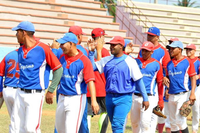 Monarcas exponentes abren con victoria en la 43 Serie del béisbol granmense