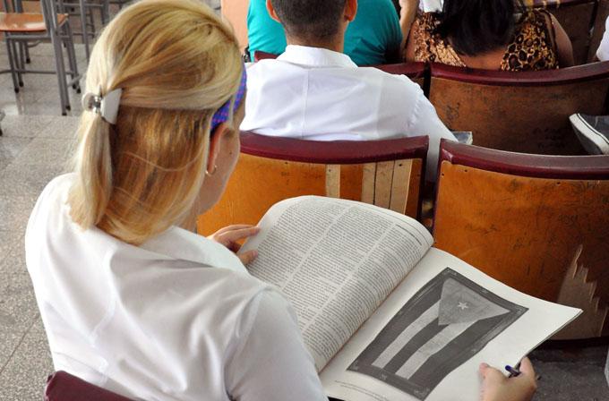A la venta tres millones 100 mil ejemplares del tabloide de la nueva Constitución