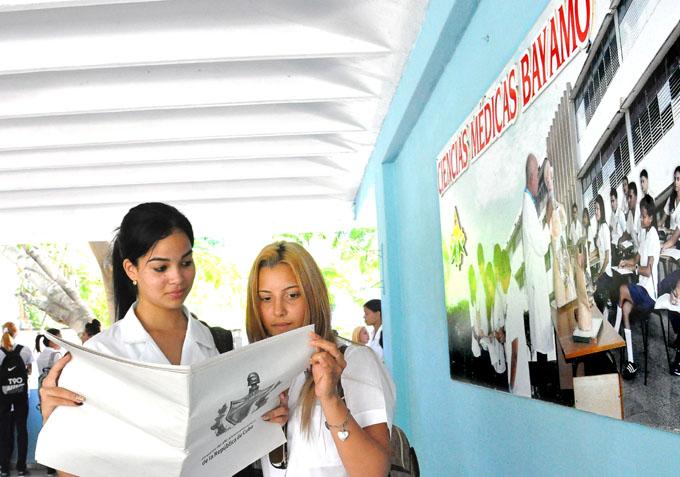 Se distribuyen en Granma 220 mil tabloides con la Constitución (+ audio)