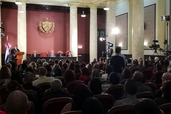 Asiste Díaz-Canel a apertura de año judicial en Cuba