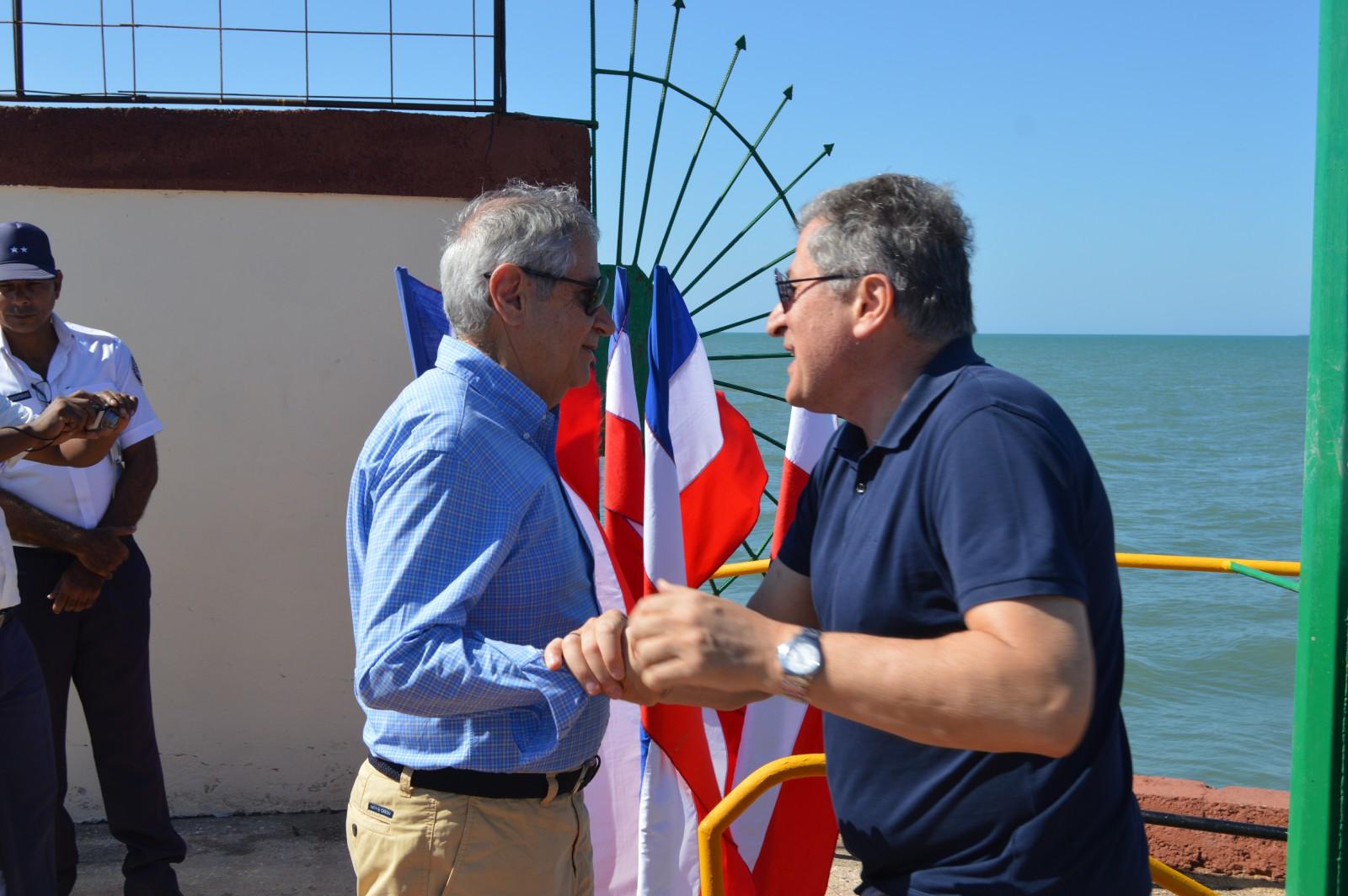 Megayate griego arriba a ciudad del Golfo de Guacanayabo (+ fotos y video)