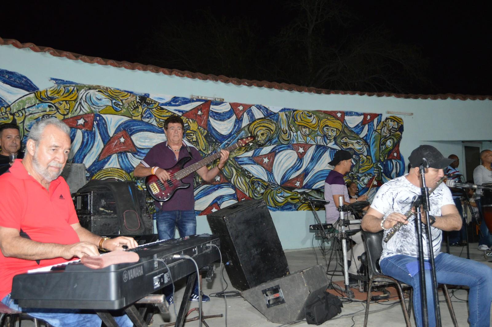 Músicos de la Original de Manzanillo expresan respaldo a la Constitución cubana
