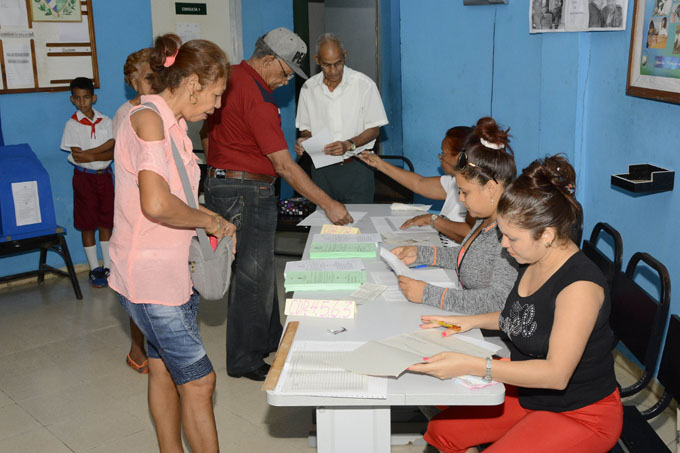 Aseguran calidad de registro cubano de electores de cara al referendo