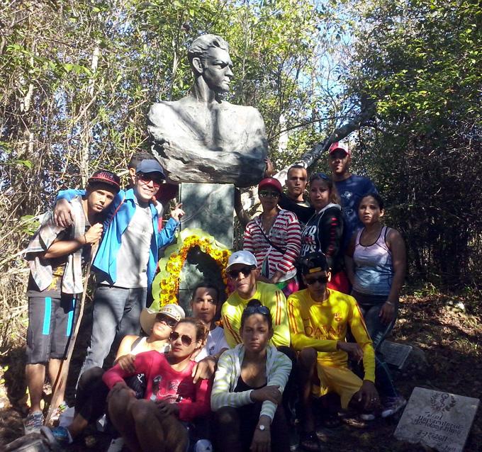 Jóvenes rendirán  homenaje a Julio Antonio Mella