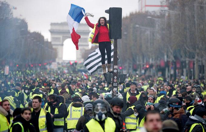 Convocan en Francia a nuevas manifestaciones de chalecos amarillos