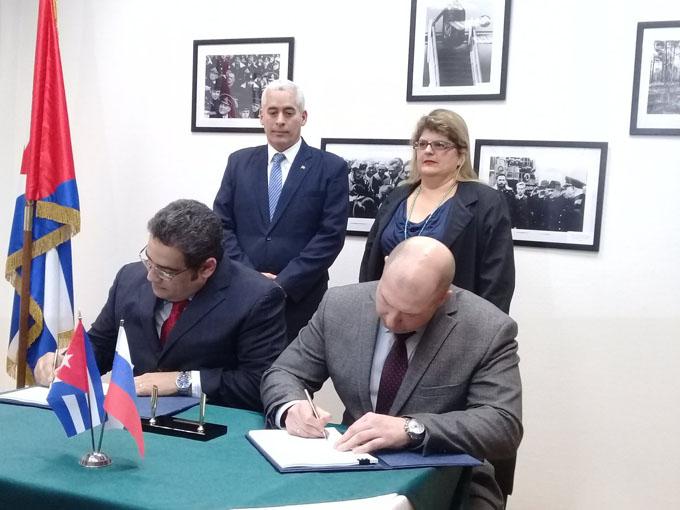 Rusia y Cuba concretan cooperación energética y aeroespacial (+ fotos)