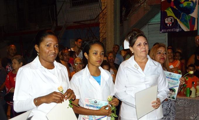 Reconocen los CDR al programa del Médico de familia en su aniversario 35