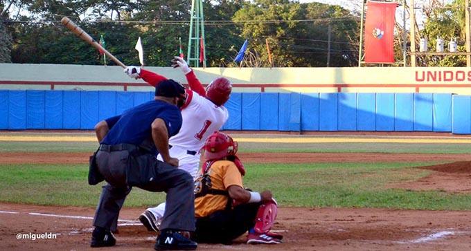 Las Tunas remonta, gana y se acomoda en la gran final de la pelota cubana (+ fotos y videos)