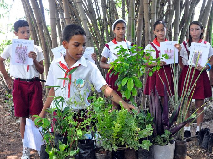 Celebran día de la educación ambiental en singular parque ecológico