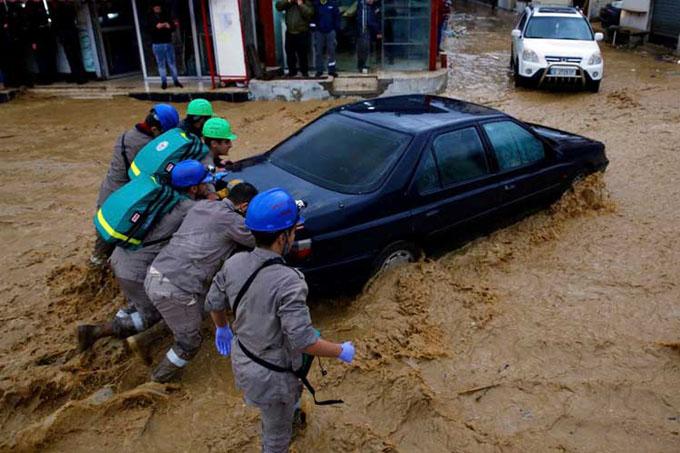 Tormenta Norma paraliza y destruye a El Líbano