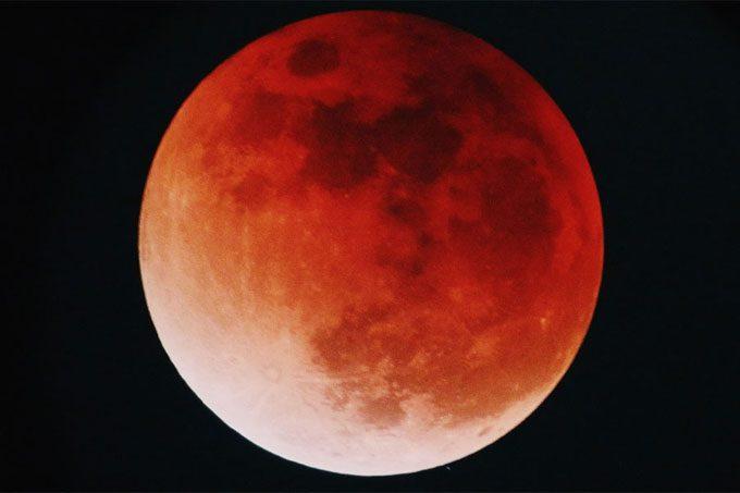 Enero acoge un eclipse lunar que coincidirá con una superluna
