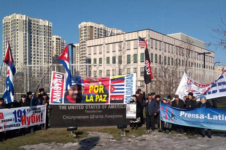 Demanda en Ucrania fin de injerencia foránea en Venezuela