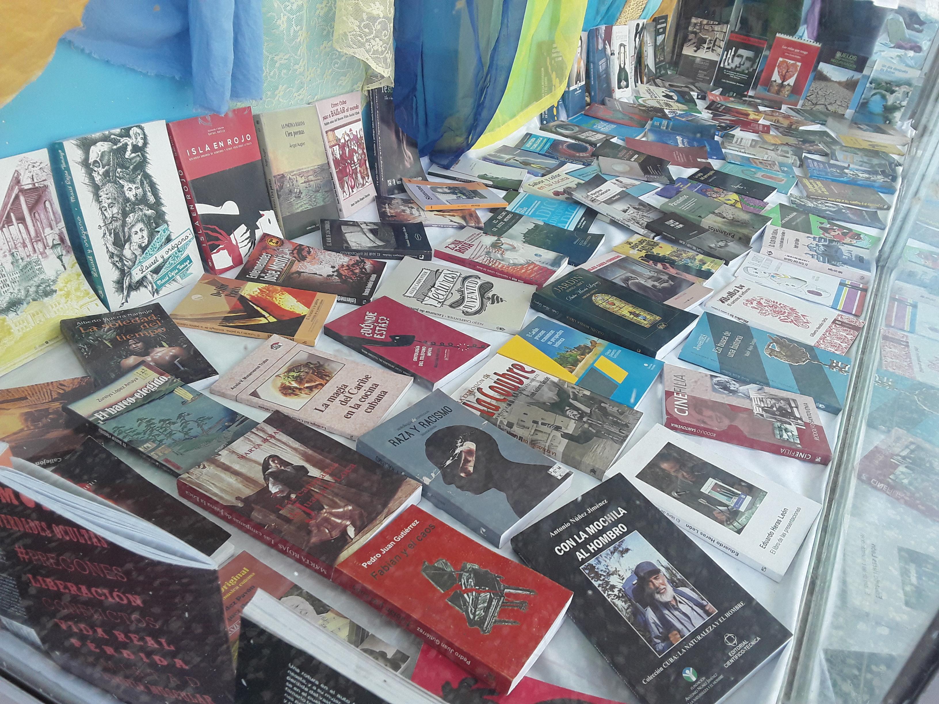 Cita de editoriales en Feria del libro granmense (+video)